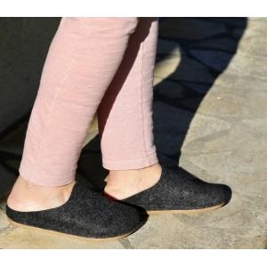 Sabot pantoufle femme en laine noir